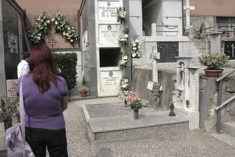 Salma di Mike Bongiorno rubata da cimitero Arona (Ansa)