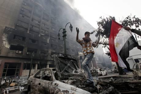 Ancora forte tensione in Egitto (Ansa)