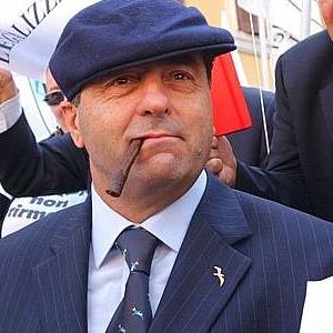 La protesta di Di Pietro vestito da mafioso (La Verde)