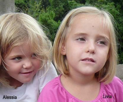 Le gemelline di 6 anni, Alessia e Livia (Ansa)