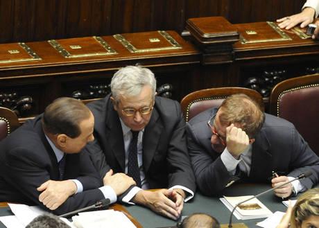 Berlusconi, Tremonti e Maroni a colloquio (Ansa)