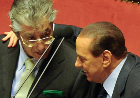 Berlusconi e Bossi a colloquio (Ansa)