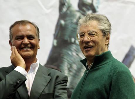 Calderoli e Bossi (ansa)
